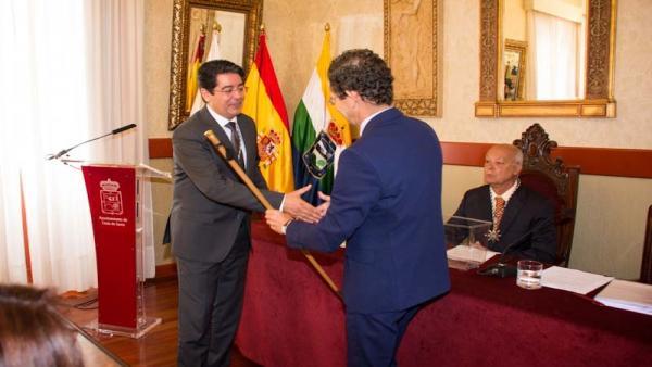 Pedro Martín (PSOE) asume por séptima vez consecutiva el mandato en Guía de Isora (Tenerife)