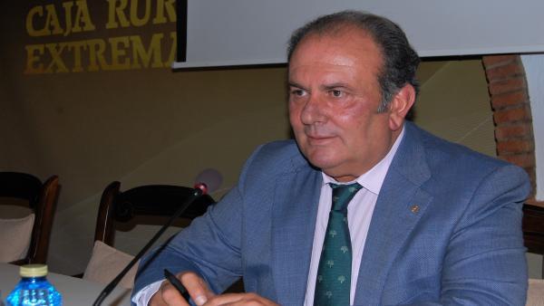Urbano Caballo, reelegido presidente de Caja Rural de Extremadura