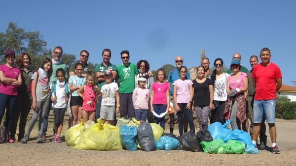 Más de 500 voluntarios se movilizan en Extremadura para liberar de 'basuraleza' en entornos naturales