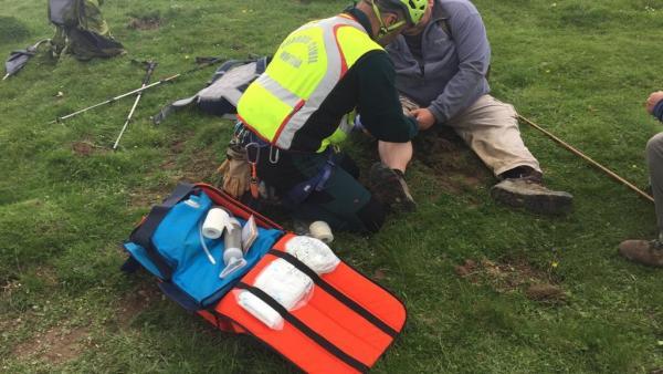La Guardia Civil evacúa a una persona lesionada en la peña de Ezkaurre