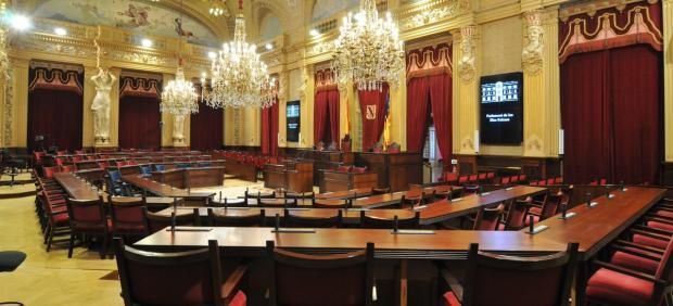 El Parlament votará pedir o no al Govern aplicar la DUI