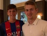 De ligt, con un aficionado del Barça en Miami (Twitter)