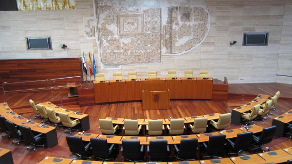 El DOE publica el decreto por el que se convoca la sesión constitutiva de la Asamblea para el próximo 18 de junio