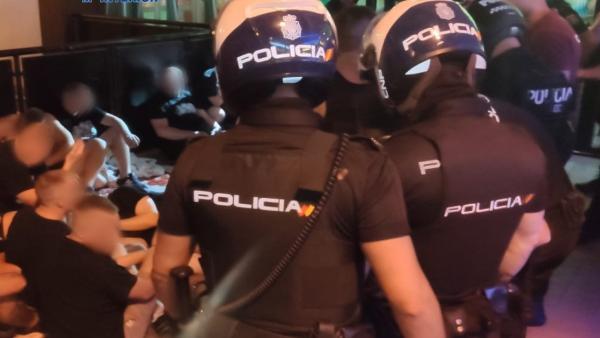 Sucesos.- Cuatro detenidos por pelearse en un bar de Playa de Palma