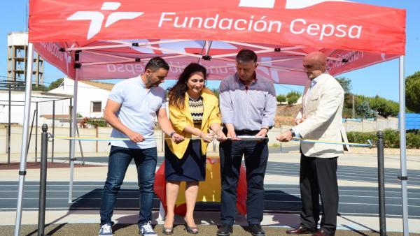Huelva.- Palos cuenta con nuevo circuito de calistenia en el polideportivo fruto de la colaboración con Fundación Cepsa