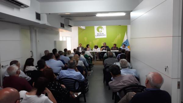 NC apoyará al PSOE pese a su actitud 'incoherente' pero no descarta explorar otras alternativas