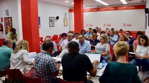 El PSOE de Cáceres propone a sus diputados provinciales de los que repiten cinco, con Rosario Cordero como presidenta