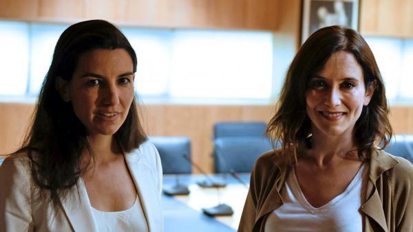 La candidata de Vox a la Comunidad de Madrid, Rocío Monasterio, junto a su homóloga del PP, Isabel Díaz-Ayuso.