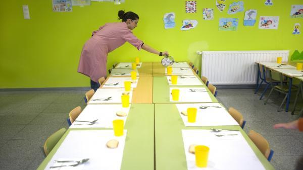 Educación.- La Junta modifica la contratación de comedores para facilitar acceso de pymes locales y menús más saludables