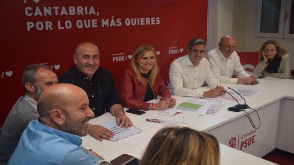 La Ejecutiva del PSOE se reunirá también hoy para valorar el pacto de Gobierno con el PRC