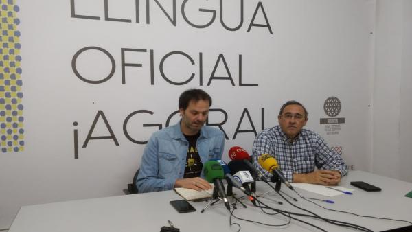 Carlos Pulgar, a la esquierda.