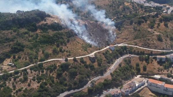 Málaga.- Sucesos.- Declarado un incendio forestal en el paraje Camino de las Viñas de Casares
