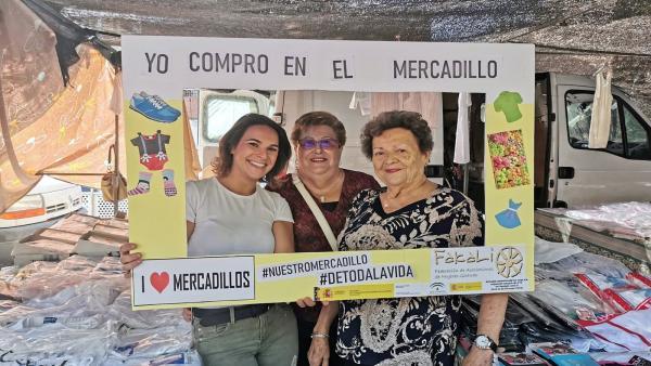 Córdoba.- Fakali lleva al mercadillo de La Ladera su campaña de promoción del comercio ambulante
