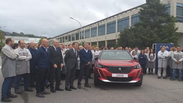 AV.- PSA Vigo presenta en sociedad el nuevo Peugeot 2008, cuya producción en serie comenzará en octubre