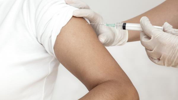 La Rioja.- Salud adquirirá 10.000 dosis de vacuna hexavalente frente a hepatitis B, difteria, tétanos y tosferina