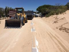 Cádiz.- El Ayuntamiento de Barbate sufragará los costes de retirar la arena del acceso a las playas de Trafalgar