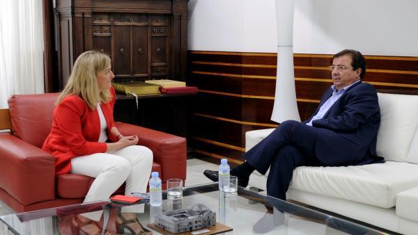 Vara tomará posesión como presidente de la Junta de Extremadura el 27 de junio en la plaza exterior de la Asamblea