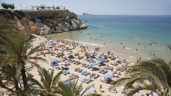 L'estiu arriba amb menys calor a la Comunitat que a la resta d'Espanya
