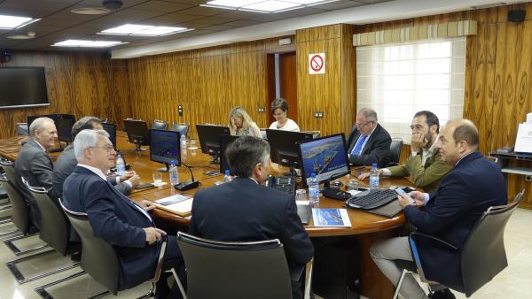 Bonet se interesa por el papel de los puertos de Las Palmas en el conjunto económico canario y español
