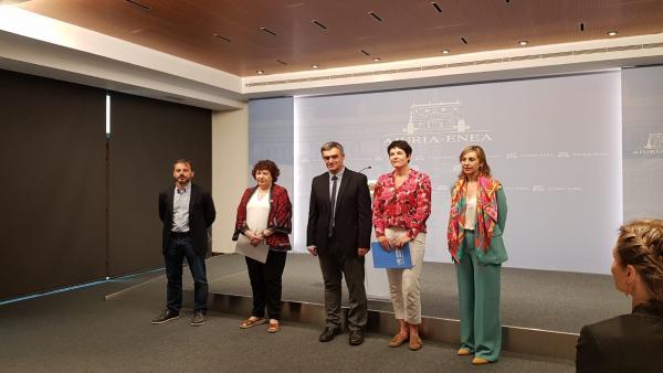 Instituciones y ONG firman un convenio para impulsar la implicación ciudadana en la acogida de refugiados