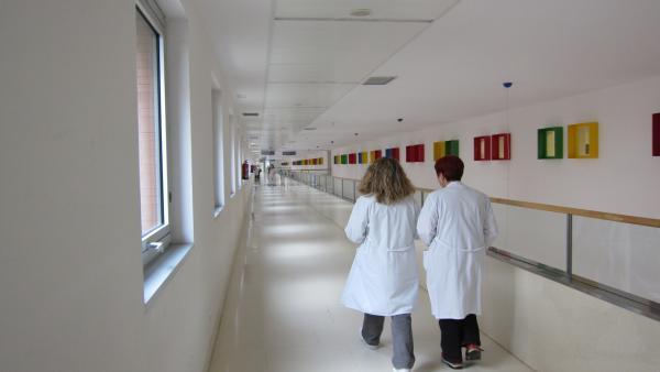 Los médicos colegiados en CyL aumentaron en 2018 un 1,8% y los enfermeros un 1,9%