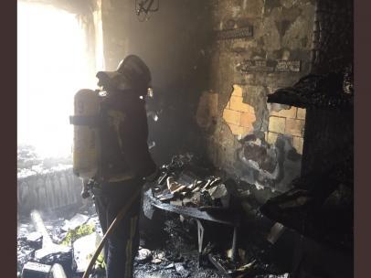 Sucesos.- Dos atendidos tras un incendio en una vivienda de Burgos ocasionado por un cortocircuito en un ordenador