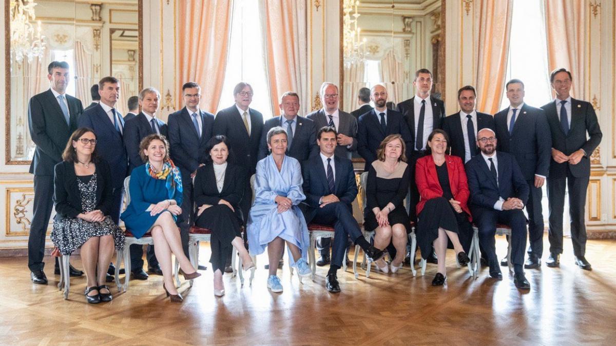 París rebate a Rivera y niega que Macron haya apoyado los pactos de Ciudadanos en España