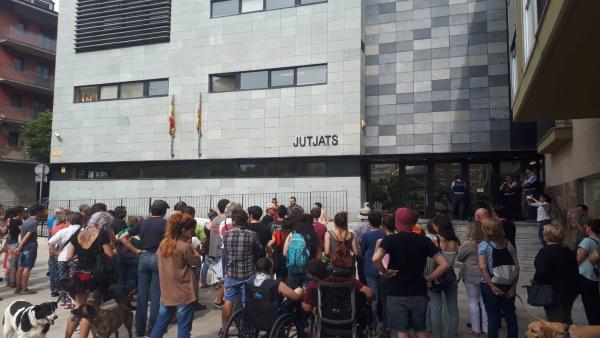 Detenida una concejala de la Seu d'Urgell y cuatro activistas por la huelga contra el juicio del 'procés'
