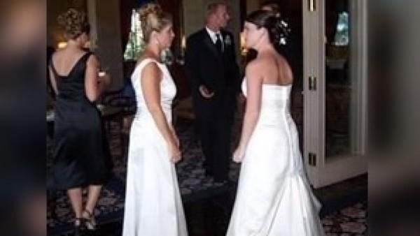 Amy y su suegra iban vestidas igual en el día de su boda