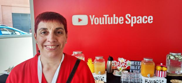 Elena Prieto, la 'youtuber' que enseña español a personas de todo el mundo: