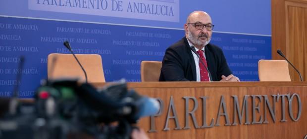 El portavoz de Vox en el Parlamento andaluzequipara el asesinato de una mujer por violencia ...