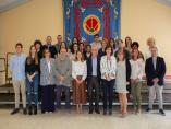 Estudiantes y profesores posan en la UPNA en la clausura del curso impulsado por la ONCE
