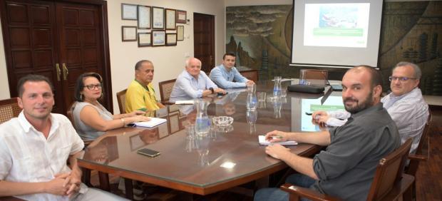 Ingenieros cubanos conocen la gestión del ciclo integral del agua que se realiza en la capital