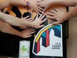 Campaña a favor de 'Más nunca es menos' en IES