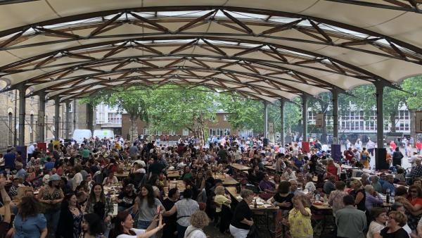 Imagen de la celebración en Reino Unido.