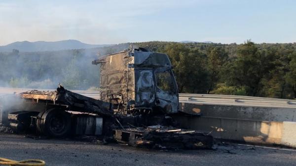 Accidente de un camión en Capmany (Girona).