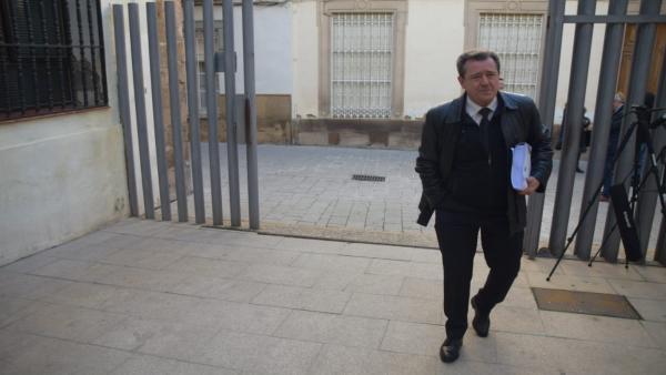 Juan Fernández acudiendo a los juzgados/Archivo