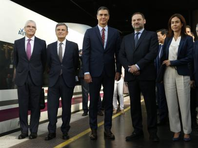 Sánchez inaugura el AVE Madrid-Granada