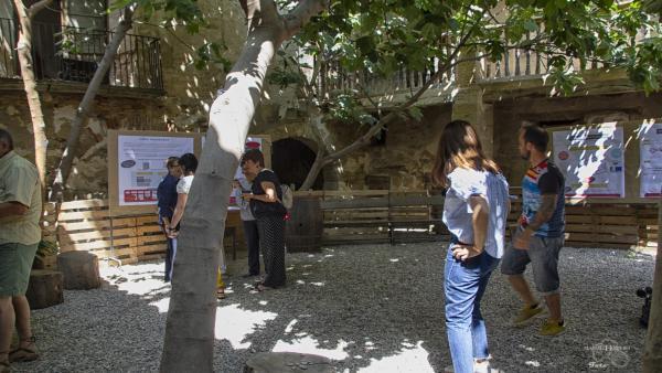 Asistentes a una de las actividades de la Casa Bosque en Borja (Zaragoza).