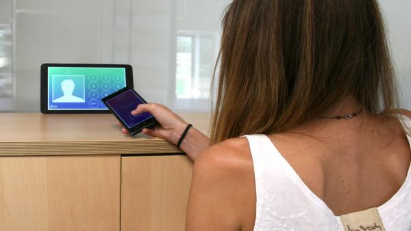 Una empresa de la Tecnópole (Ourense) lanza una app para que los empresarios puedan fichar con el móvil