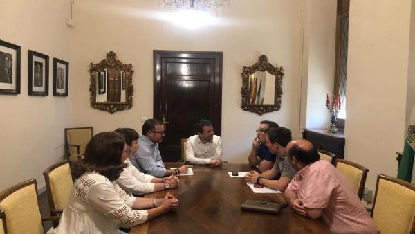 Reunión con representantes de UGT en el Ayuntamiento de Jaén.