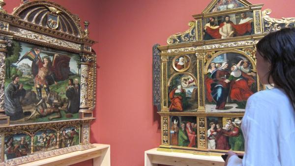 Dos de los retablos que se exhiben en la exposición 'Joyas de un patrimonio'