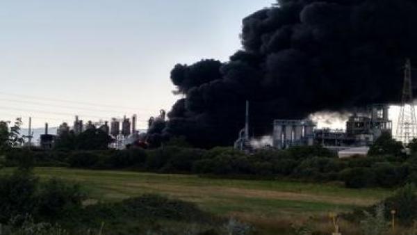 Incendio en el polo químico de San Roque