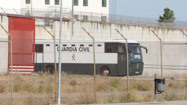 Los siete presos varones del 'procés' independentista (Oriol Junqueras, Joaquim Forn, Jordi Sànchez, Jordi Turull, Josep Rull, Raül Romeva y Jordi Cuixart ) abandonan en un furgón de la Guardia Civil la cárcel de Valdemoro en Madrid (donde han pernoctado