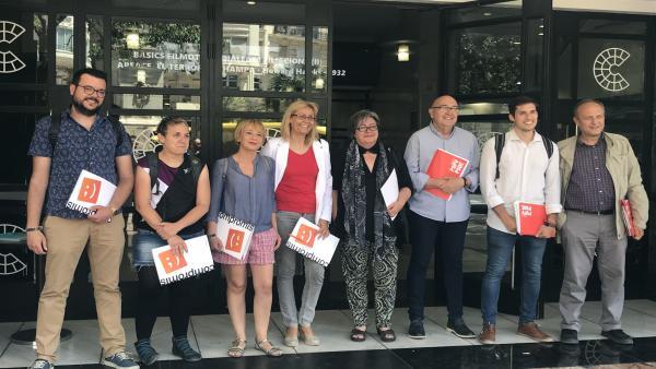 Representantes de Compromís y del PSPV-PSOE que integran las comisiones negociadoras para conformar el nuevo gobierno de la ciudad de València.