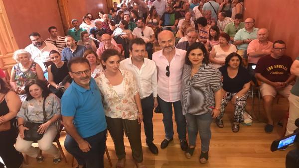 Reunión del alcalde de Jaén con colectivos de participación