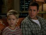 Los gemelos Sprouse interpretaron a Julian