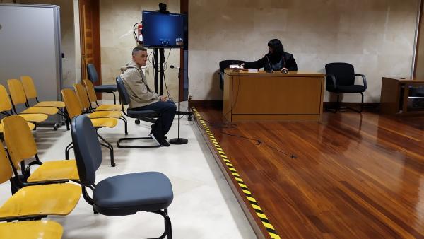 Juicio contra uno de los encausados por pertenecer a una banda de ladrones que perpetró una veintena de robos en viviendas de Santiago en el año 2013
