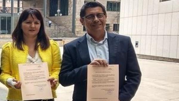 Laura Pérez Macho junto a Armando Fernández Bartolomé.