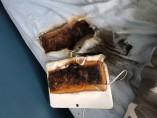 Una tableta Samsung se quema después de dejarla cargando toda la noche encima de la cama